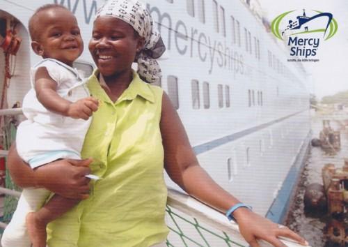 2016-Mercy-ships-in-Benin